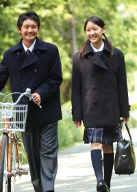 自由ケ丘高等学校制服画像
